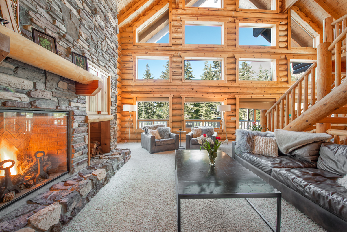 Snoqualmie Pass Mountain House